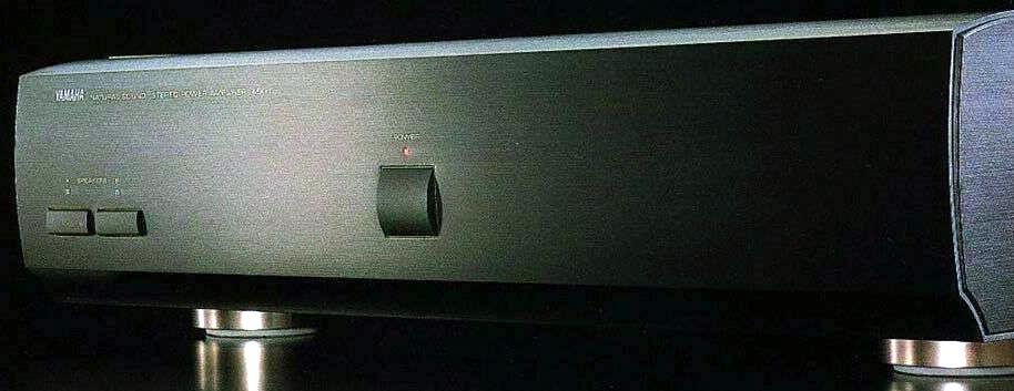 Усилитель мощности Yamaha MX-1.