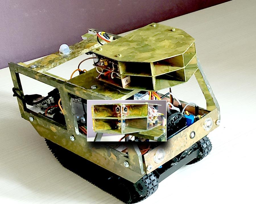 Макет 4-секционного локатора, установленный на автономном мобильном объекте.
