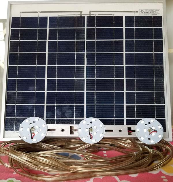 This 10 W solar day lamp is ready for use.
