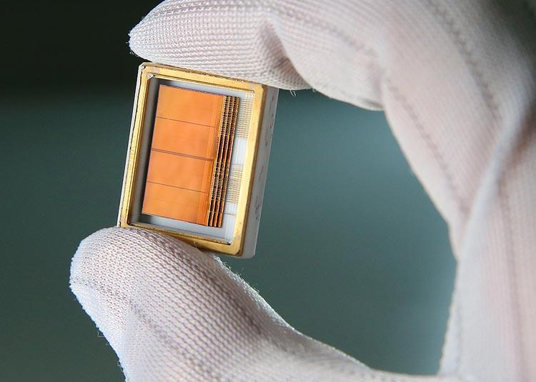 В РКС внедрили новейшую технологию 3D-сборки для производства аппаратуры новых российских спутников