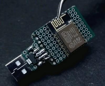 Установка модуля ESP-12E на монтажную плату, подключение питания и адаптера SD карты памяти.