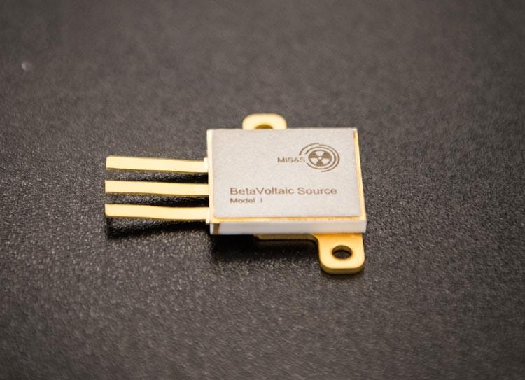 Ученые НИТУ «МИСиС» разработали экономичную атомную батарейку сповышенной в10раз мощностью