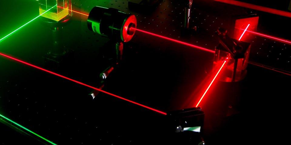 «Шуба» изнанотрубок усилит лазер: новые углеродные покрытия улучшат свойства оптоэлектроники