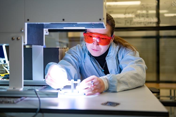 Новый модификатор повысил эффективность перовскитных солнечных батарей