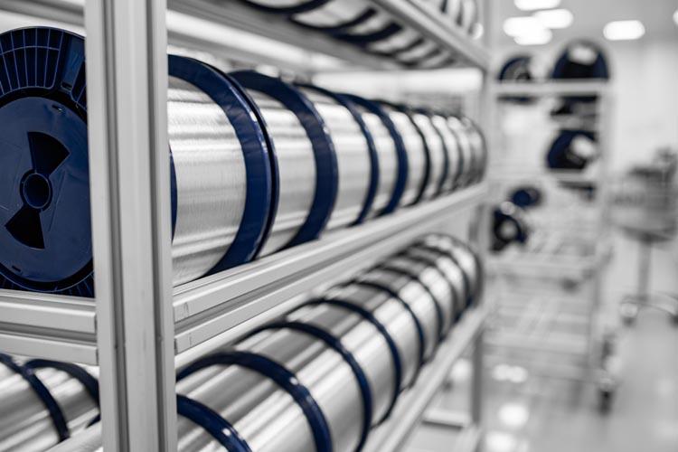 Компания «Оптиковолоконные Системы» поставила первую партию нового типа оптического волокна G.654 для проекта ТЕА NEXT