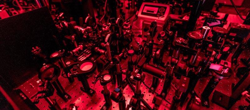 Лаборатория фотоники в Сколтехе