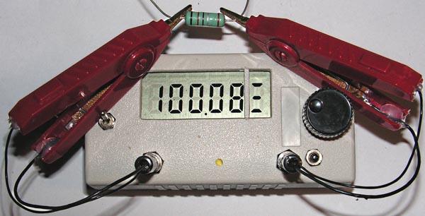 Измерения (второй диапазон) сопротивлений резисторов номиналом: (а) - 0.1 Ом 1% (KNP300), (б) - 0.01 Ом 1% (SMD 2512).