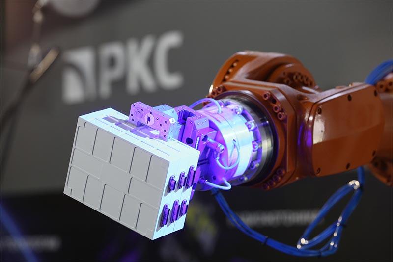 РКС на МАКС-2021 промышленный симбиоз робота