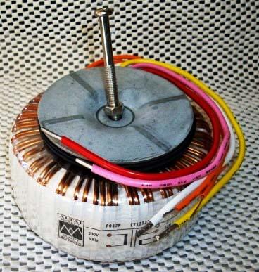 Силовой трансформатор TR1.