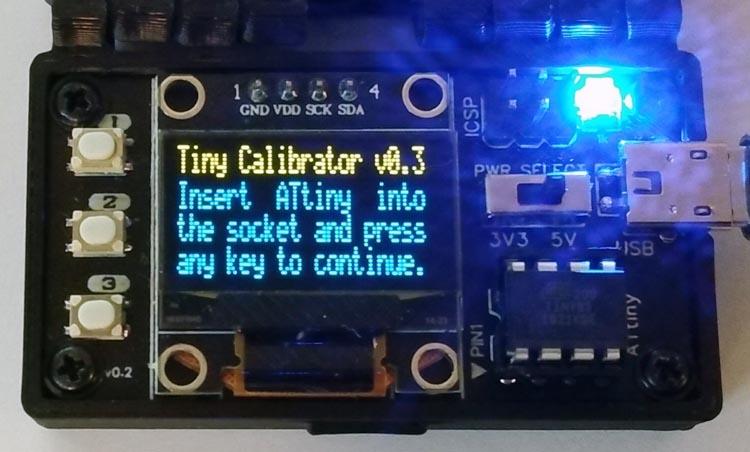 Устройство для автоматической калибровки встроенного RC-осциллятора 8-выводных микроконтроллеров ATtiny.