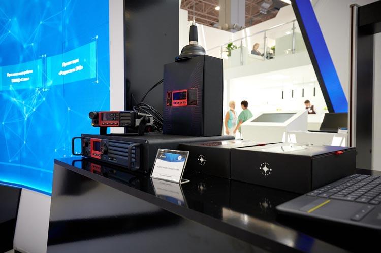 Ведомственная охрана Ростеха получила цифровые радиостанции Концерна «Созвездие»