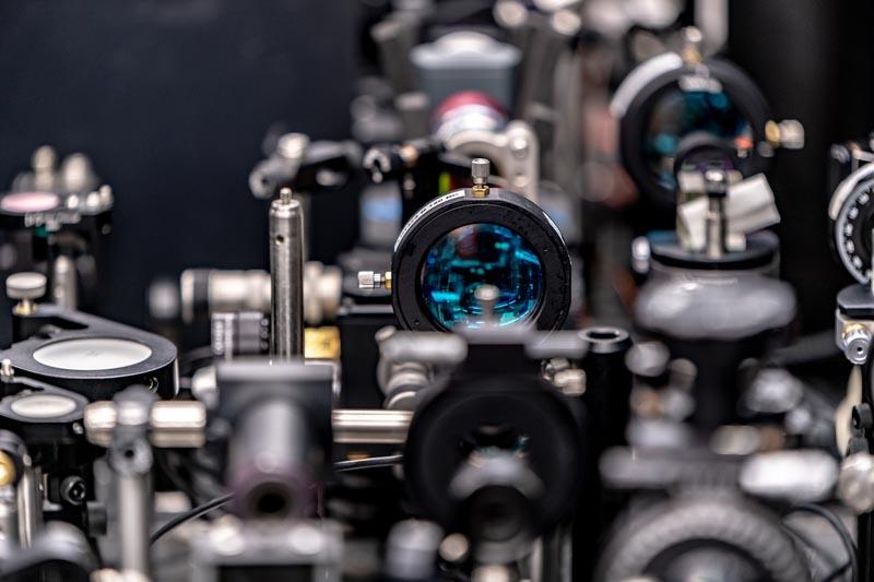 Лаборатория гибридной фотоники в Сколтехе