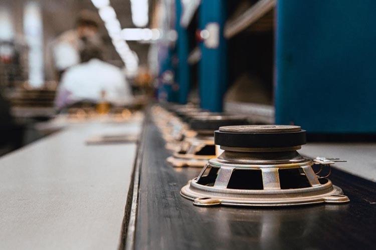 Росэлектроника увеличивает объем выпуска акустического оборудования