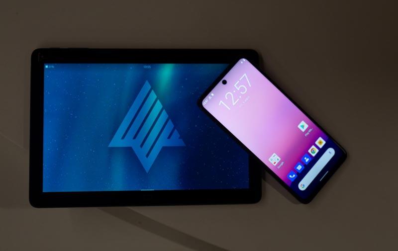 Марвел-Дистрибуция GS Group представили планшет смартфоны